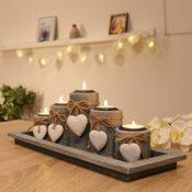 Teelichthalter auf Holztablett