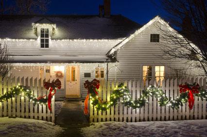 weihnachtsbeleuchtung au en am haus sollte ein hingucker sein. Black Bedroom Furniture Sets. Home Design Ideas
